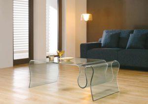 table basse en verre avec porte revues