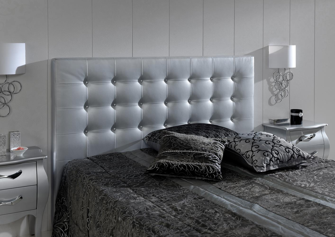 acheter votre t te de lit contemporain capitonn en pvc argent chez simeuble. Black Bedroom Furniture Sets. Home Design Ideas