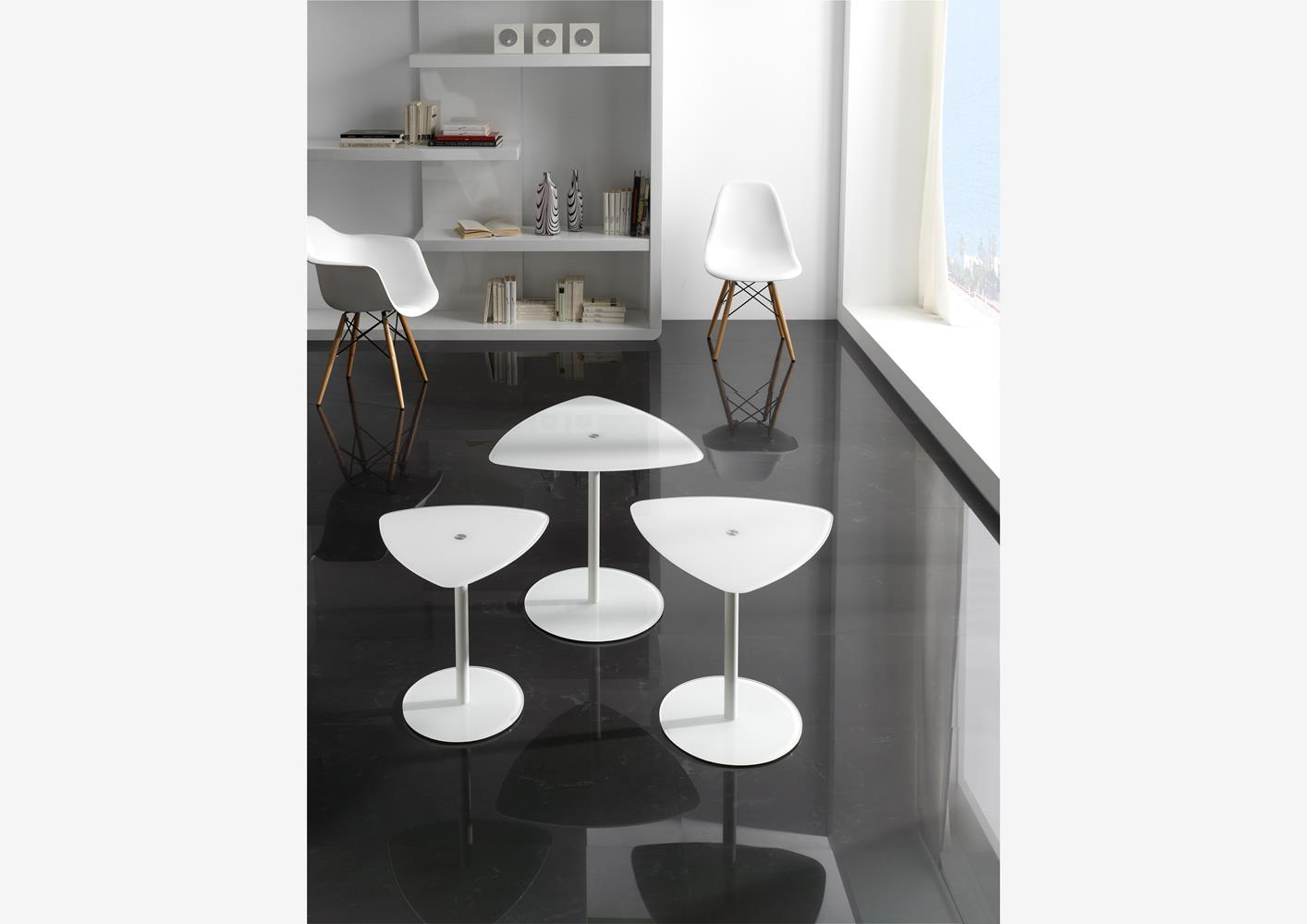acheter votre table de salon contemporaine plateau verre chez simeuble. Black Bedroom Furniture Sets. Home Design Ideas