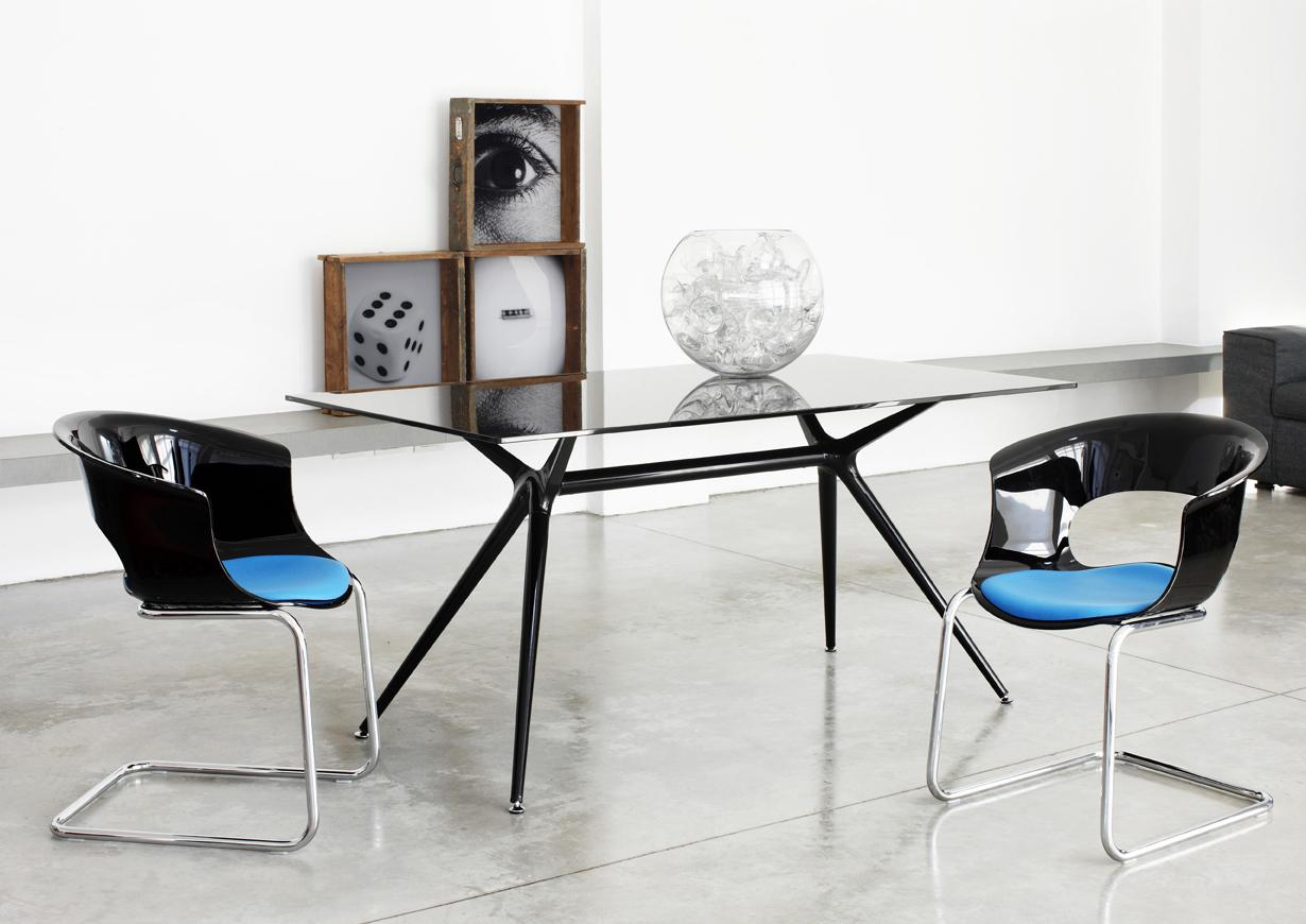 acheter votre table rectangulaire plateau verre chez simeuble. Black Bedroom Furniture Sets. Home Design Ideas